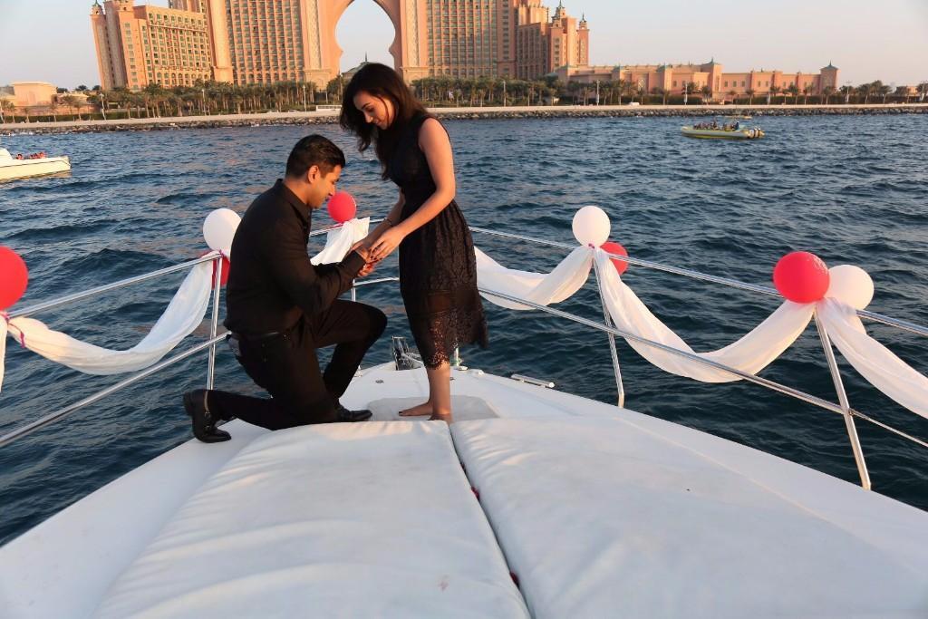 Propose On Yacht In Mumbai Luxuryrental