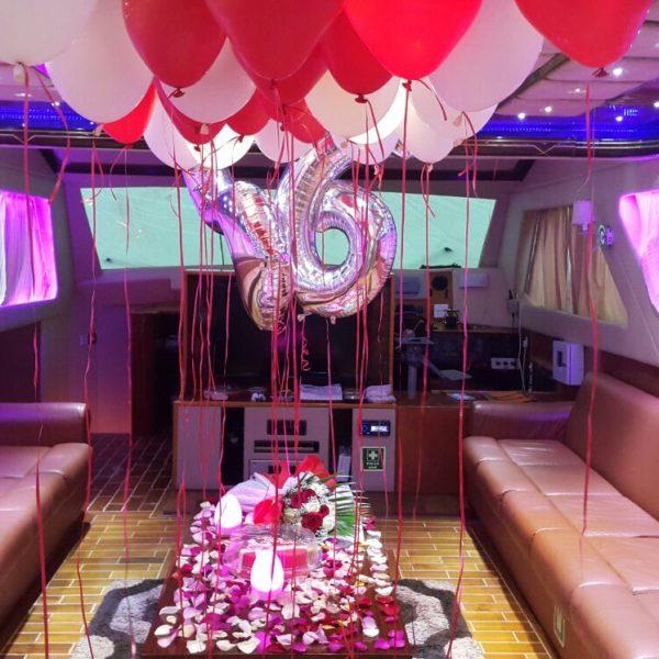 birthday at yacht