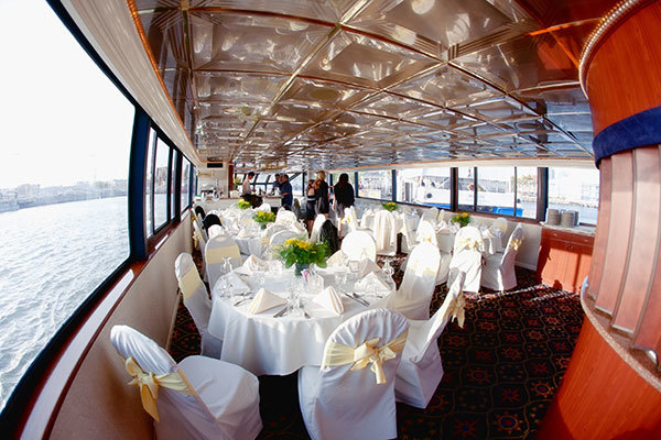 Luxury Rental Yacht Wedding: The Biggest 2019 trend!